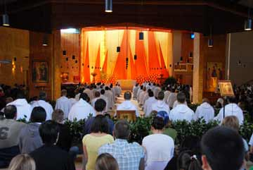 Welcome to the Taizé website!